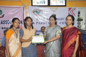 Award-Presenting-1